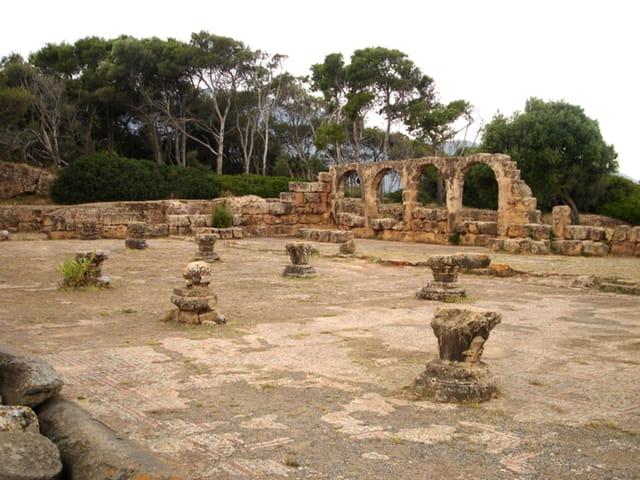Manamani , ruines romaines 01