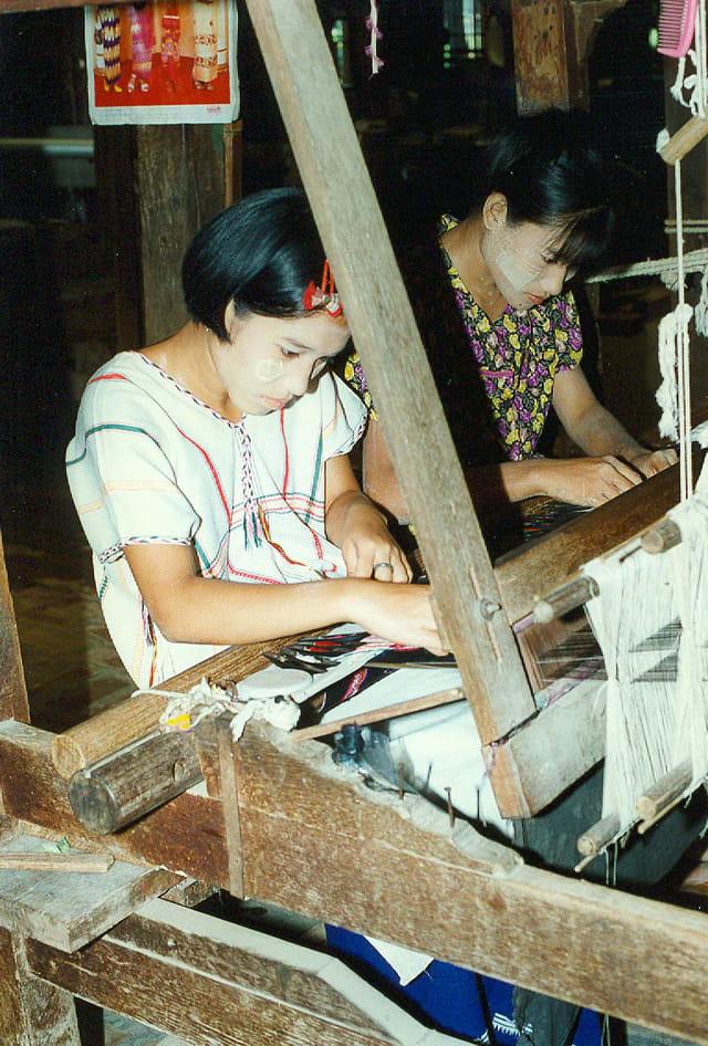 Mandalay ! atelier de tapisserie