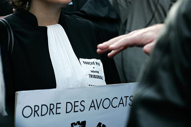 Manifestation des élus du PS  contre la réforme de la carte judiciaire