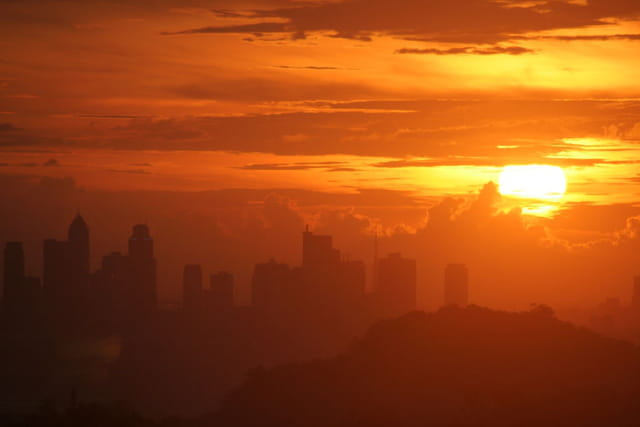Manila sunset skyline