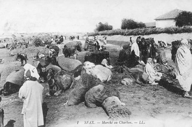 Marché au charbon à Sfax