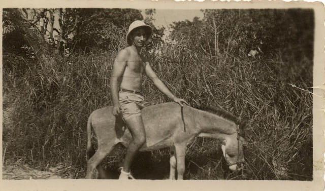 Marin sur un âne