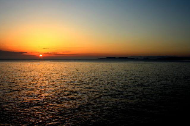Marseille coucher de soleil par eric fillaud sur l 39 internaute - Coucher du soleil marseille ...