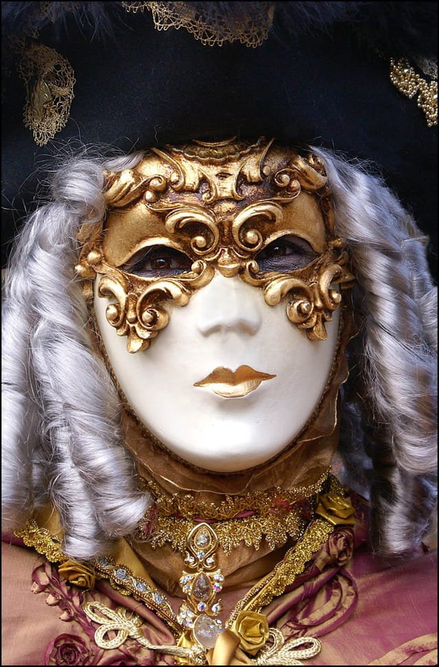 Masque vénitien 3 à Stavelot