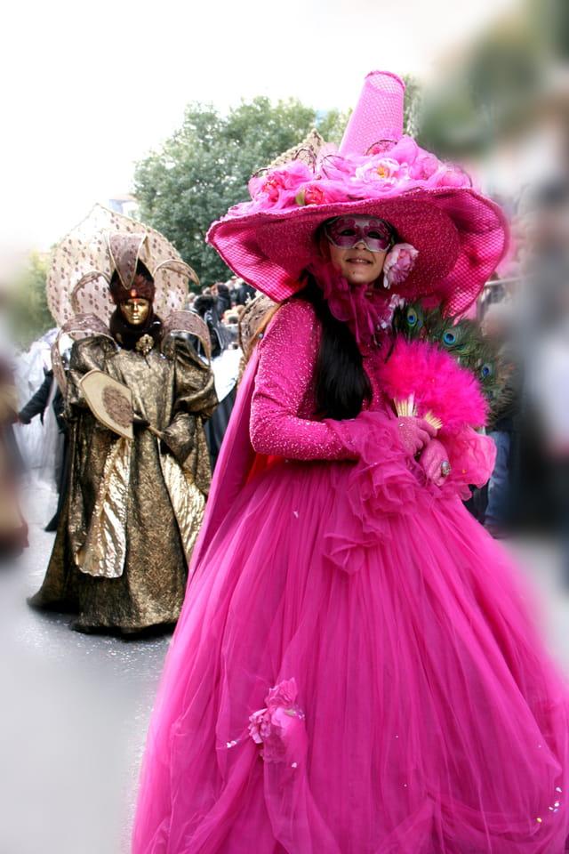 Masques et tenues vénitiennes