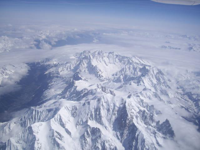 Massif du Mont-Blanc vu d'avion