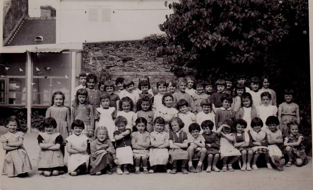 Maternelle aux Saints Anges 1954 ou 1955