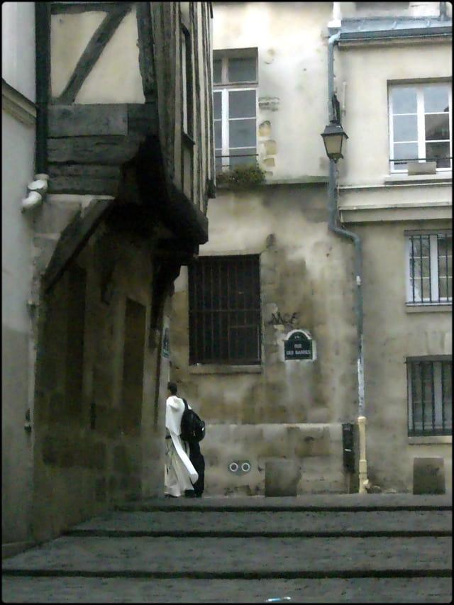 Mener à Paris sa vie monastique