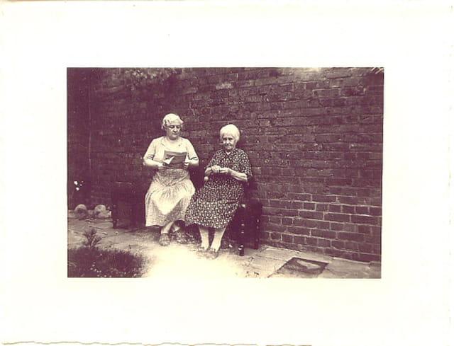 Mère et grand-mère
