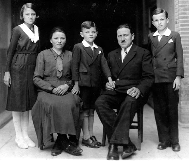 Mes grands-parents et leur3 enfants