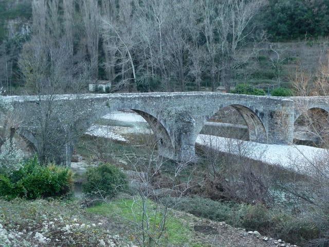 MIALET,le pont des Camisards.