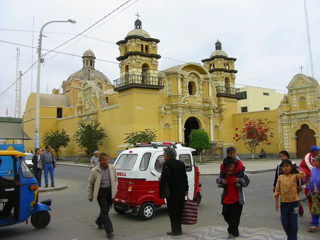 Mini taxi péruvien