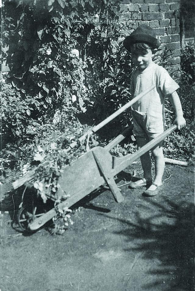 Mon oncle au jardin 1935