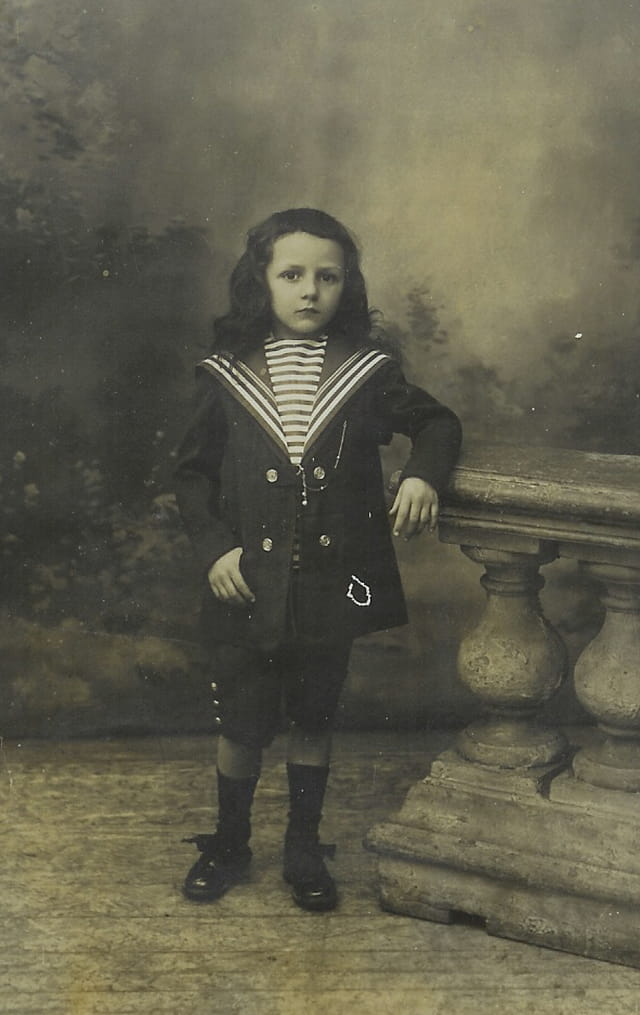 Mon oncle Michel avec son bel habit de petit marin