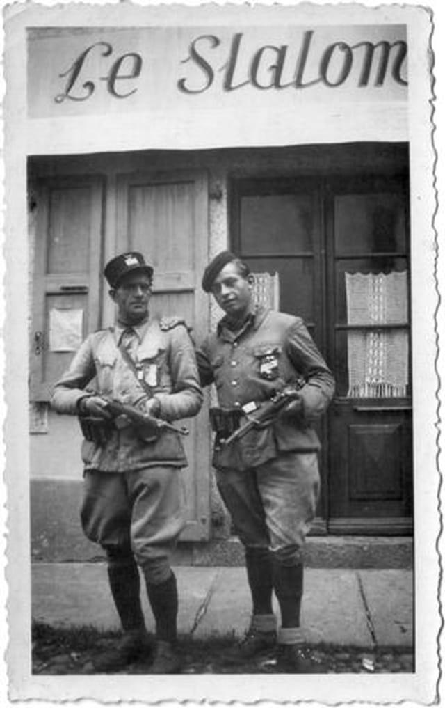 Mon père (à gauche)