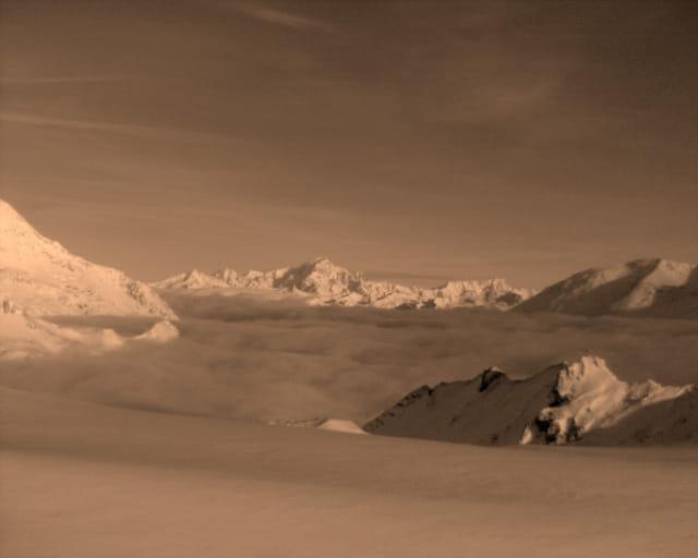 Mont blanc au dessus des nuages