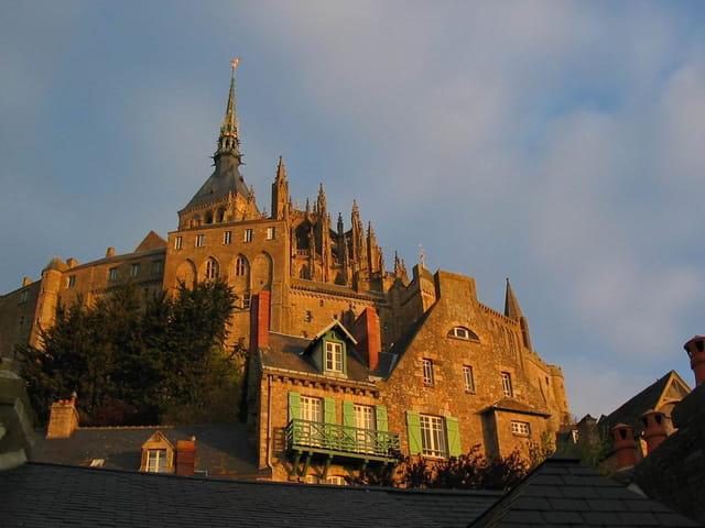 Mont Saint Michel à l'aurore