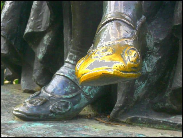 Montaigne & son soulier lustré