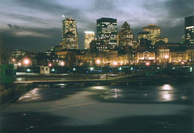 Montréal vu du Vieux-Port
