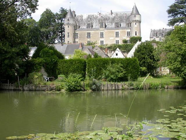 Montrésor, château  XI ème siècle