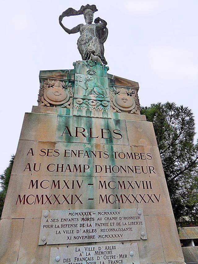 Monument Arles (1)