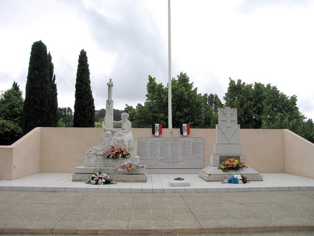 Monument aux Morts (2)