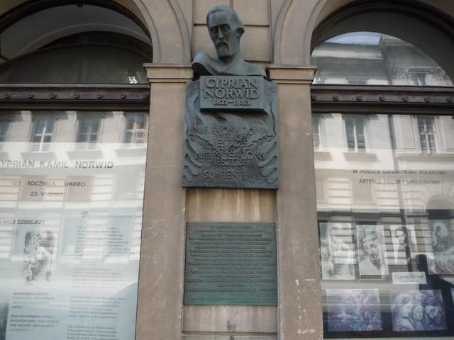 Monument de Cyprian Norwid