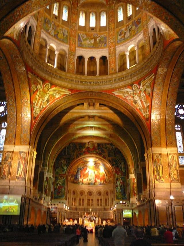 Mosaïques de la basilique de Lisieux
