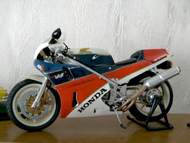 Moto miniature