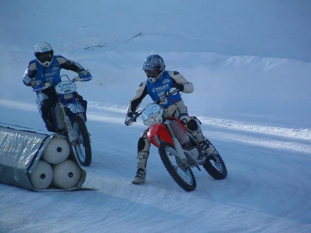 Moto.........ski