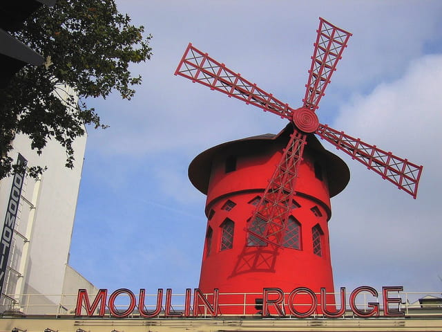 Moulin Rouge-Place Pigalle