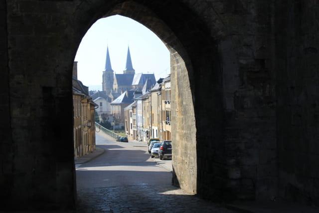 Mouzon, la porte de Bourgogne