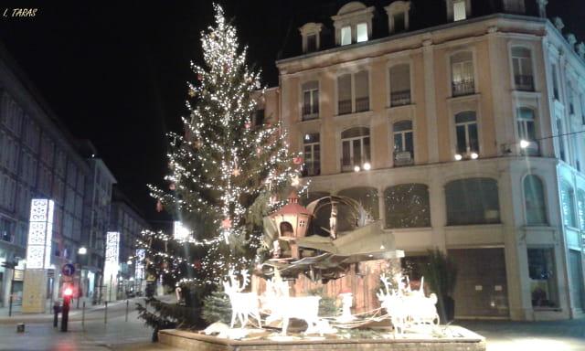 Mulhouse à Noël la nuit