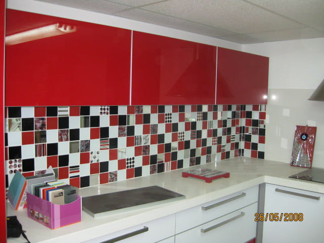 mur de cuisine par mylene illouz sur l 39 internaute. Black Bedroom Furniture Sets. Home Design Ideas