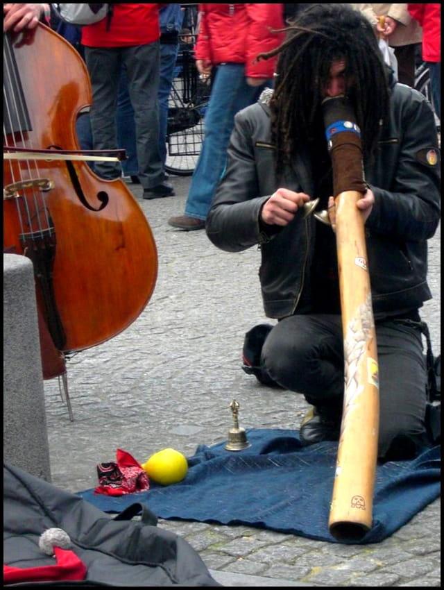 Musique rituelle piazza beaubourg