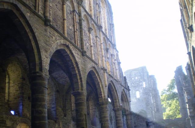 Mystérieuse abbaye