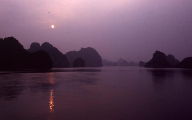Mystérieuse baie d'halong