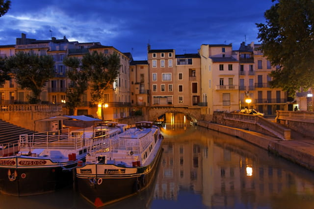 Narbonne by night