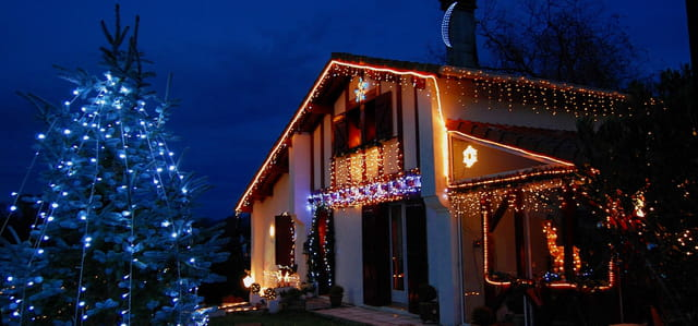 Noel Maison illuminée