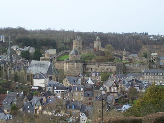 Notre beau château féodal!!!sous le ciel de cette saison d'hiver,hier!!!!!