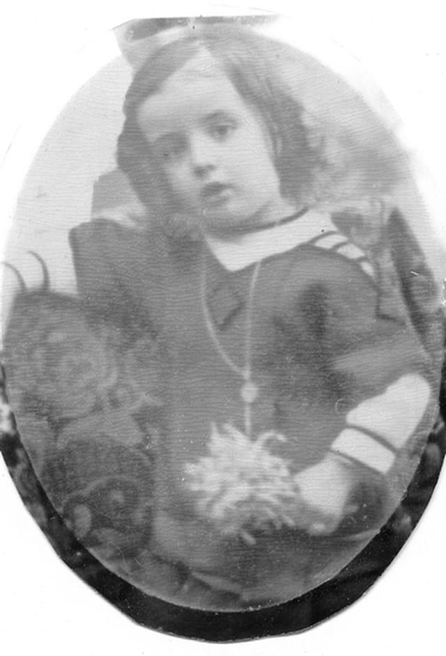 Notre mère andrée en 1914