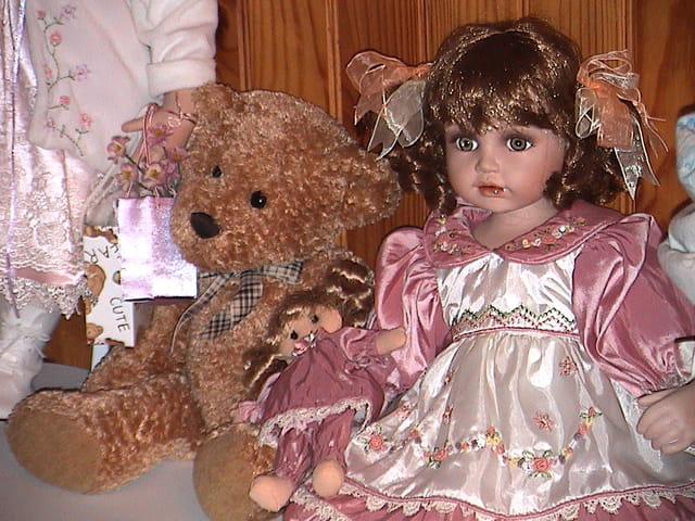 Nounours et la poupée