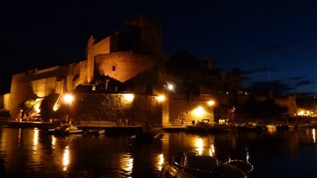 Nuit sur le château royal de Collioure