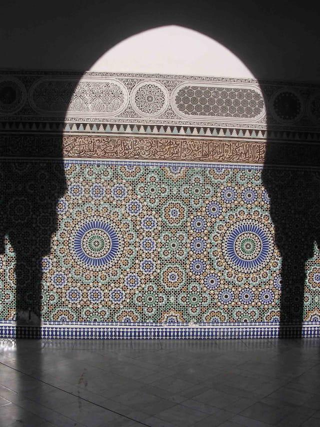 Ombre en arcade sur mosaïques
