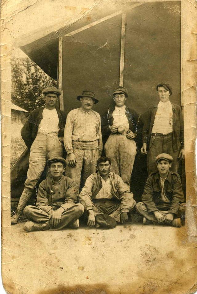 Ouvriers à la pose