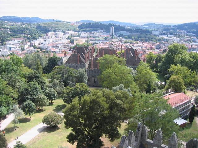 Un aperçu sur le palais et ses cheminées