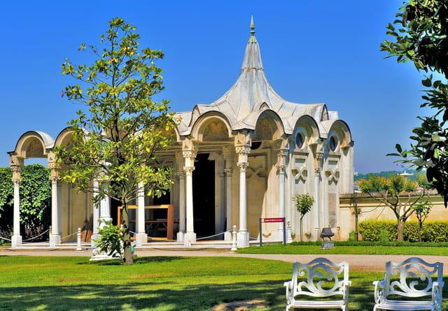 Palais de Beylerbeyi, kiosque du parc.