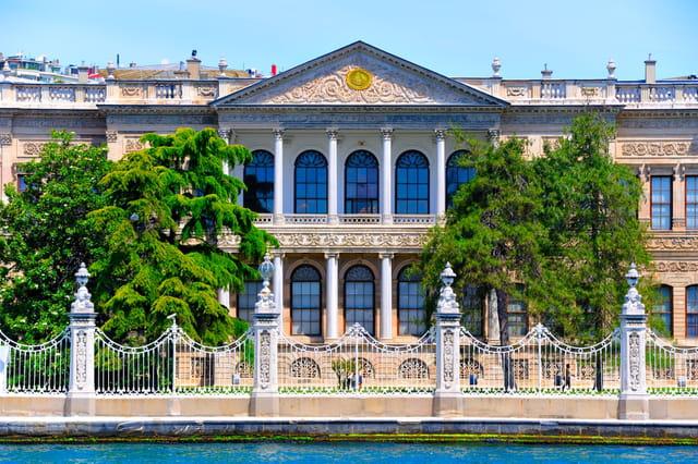 Palais de Dolmabahçe, édifice central.