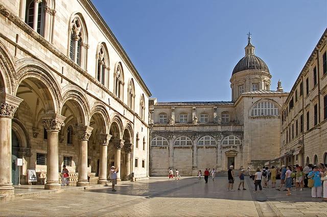 Palais des recteurs, cathédrale
