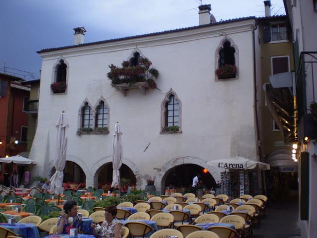 Palais vénitien à Garda